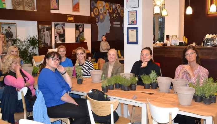 XuBrwpXg Urtica Cafe | Urtica